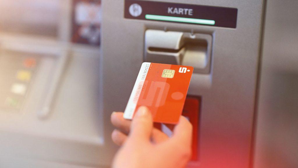 Bei der Kontowahl sollte man auch berücksichtigen, wie viel Geldautomaten zur Verfügung stehen.