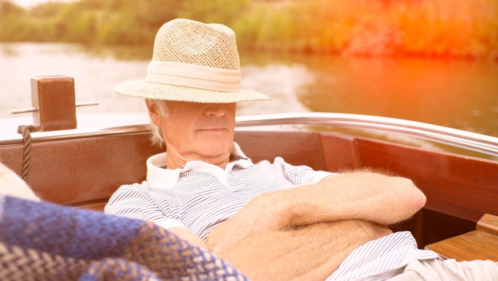 Wie kann ich während der Rente sorgenfrei mit meinem Geld auskommen?